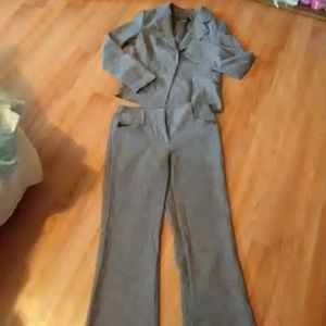 "Womens size ""M"" pants suit"